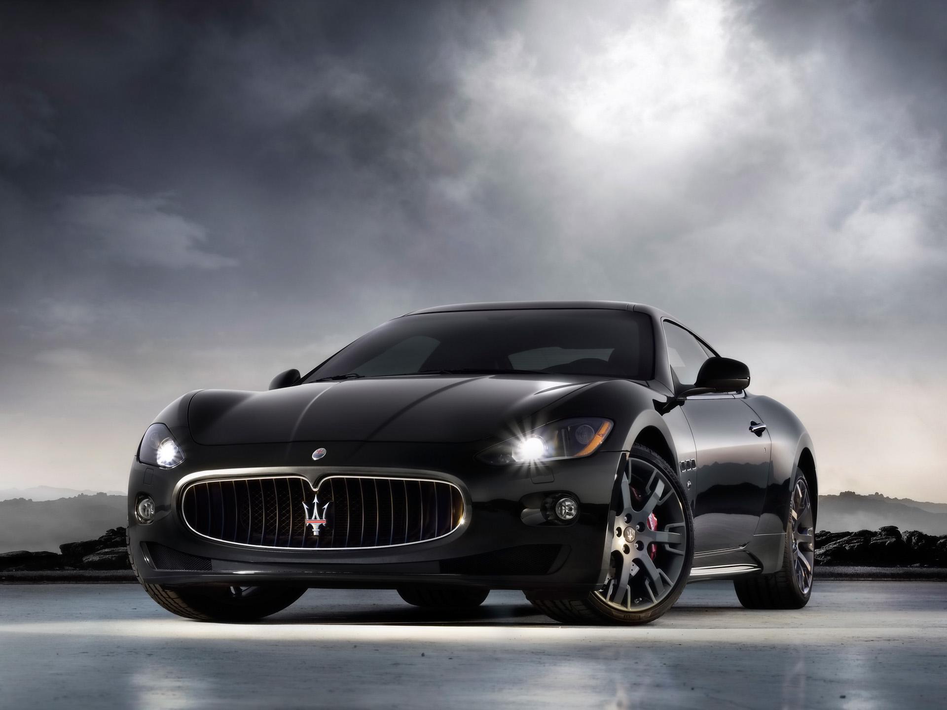 Maserati_Gran_Turismo_S,_2008